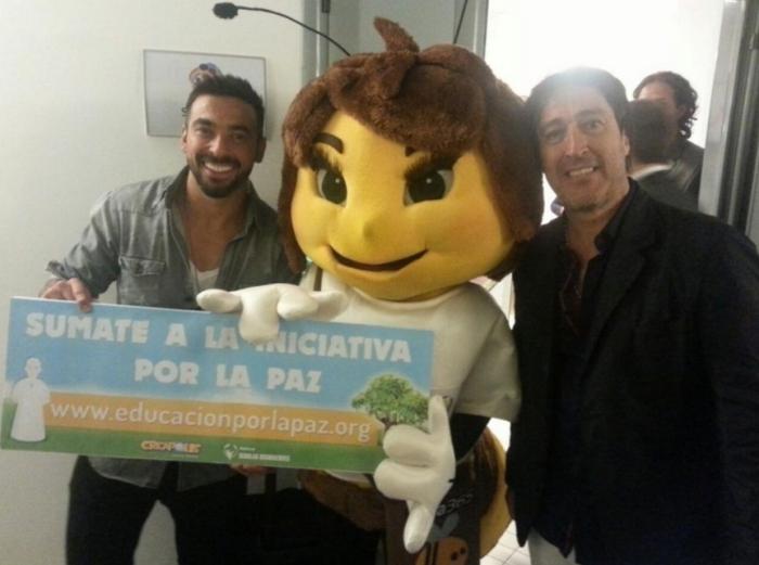 Cece de Creápolis en el Partido por la Paz con Pocho Lavezzi